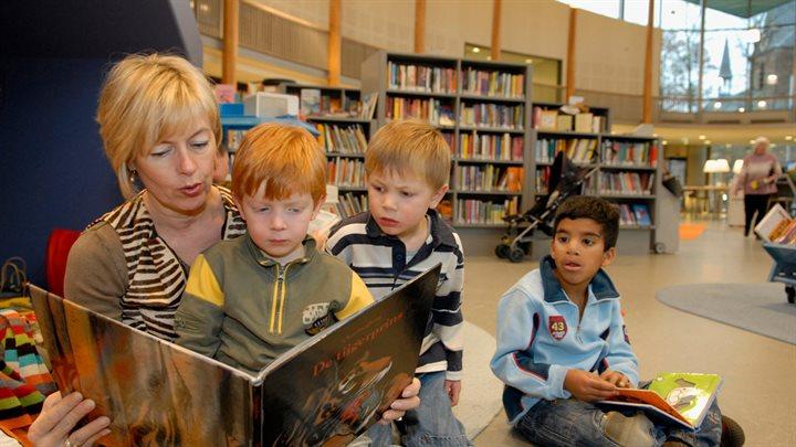 Provinciale Bibliotheekvisie: de onmisbare maatschappelijke voorziening die bibliotheek heet
